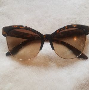 Accessories - Brown leopard frame cat eye shades